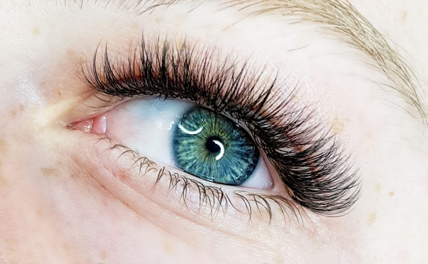 New Super Flat Lash - The Lightest and Softest Flat Lash On The Market!
